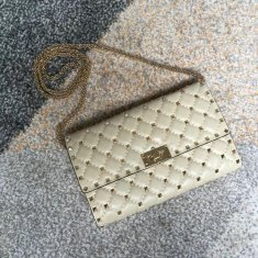 Valentino Free Rockstud Spike Chain Bag Cream